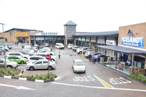 Sunninghill Square Shopping Centre day time 2021