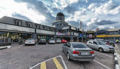 Sunninghill Square Shopping Centre | Outside/ Parking Lot