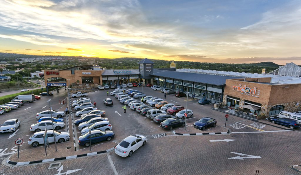 Sunninghill Square Shopping Centre | Outside/ Parking Lot, shopping center, day time, sunset, midori , road